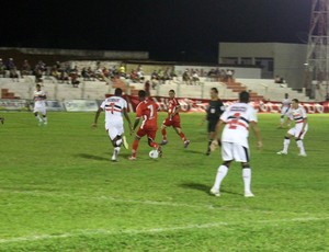 4 de Julho x River-PI - Arena Ytacoatiara - Campeonato Piauiense 2013 (Foto: Josiel Martins)