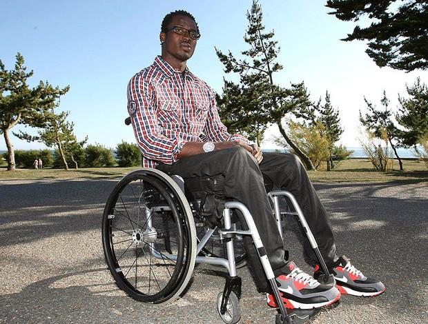 Kodjovi Obilale goleiro Togo cadeira de rodas (Foto: AP)