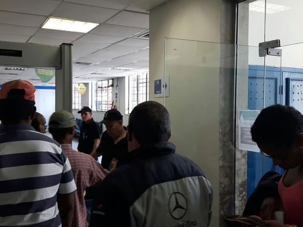 Agência do INSS em Campinas reabre após protesto de vigilantes (Foto: Murillo Gomes)