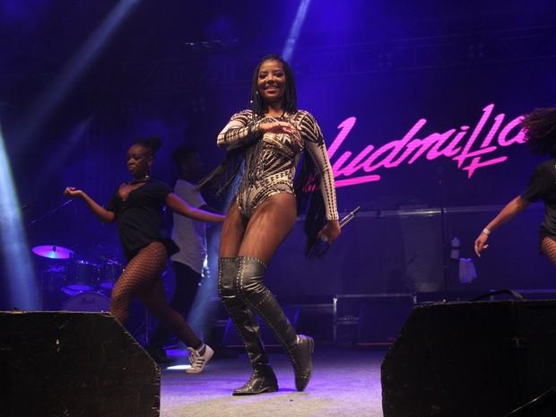 Ludmilla em show na Zona Portuária do Rio (Foto: Wallace Barbosa/ Ag. News)
