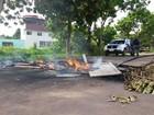 Moradores queimam pneus por falta de energia há 24 horas em Macapá