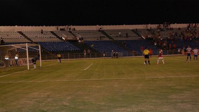 Campinense x Atlético de Cajazeiras, Amigão (Foto: Silas Batista / GloboEsporte.com)