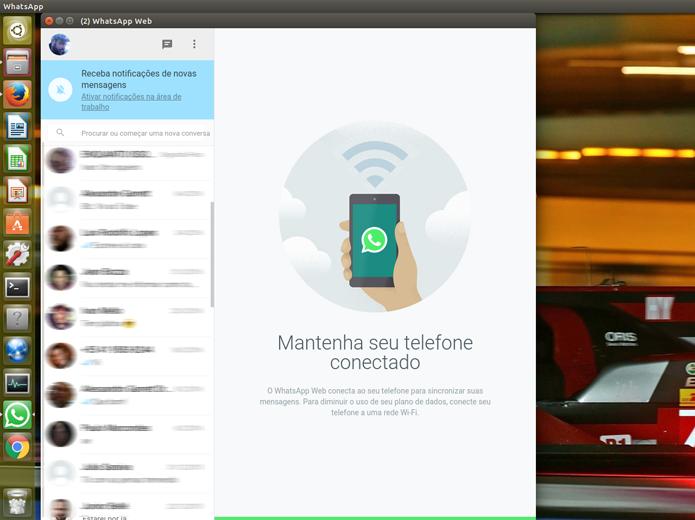 O WhatsApp será carregado no computador. Para mantê-lo funcionando, você deverá garantir que o celular não se desconecte da rede (Foto: Reprodução/Filipe Garrett)