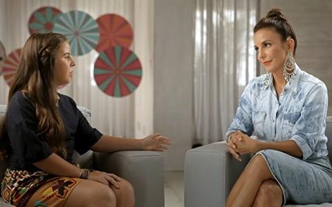Em família: Ivete não esconde o 'dengo' ao entrevistar a sobrinha Maria Sangalo