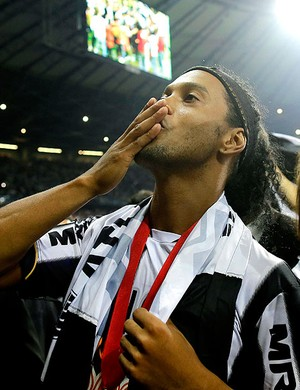 Ronaldinho Atlético-MG festa título Libertadores (Foto: AP)