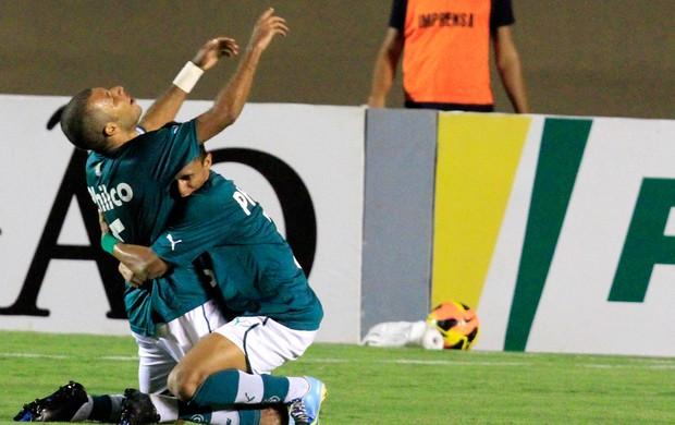Amaral comemora, Goias x ABC (Foto: Carlos Costa/Agência Estado)