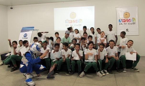 Emissora recebe alunos do projeto Cidadão Mirim em mais uma edição do 'Amigos da TV Clube' (Foto: Katylenin França/TV Clube)