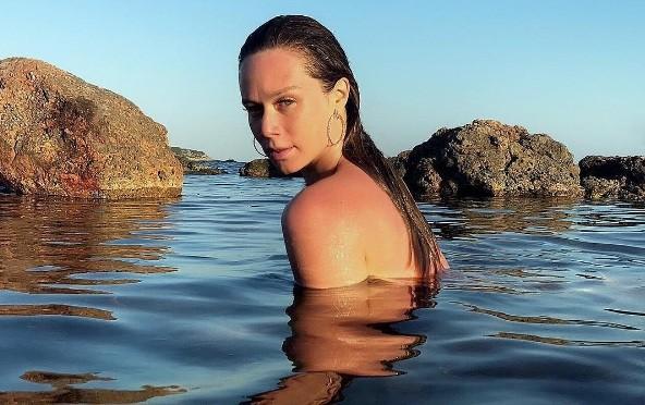 A atriz em Ibiza:  (Foto: Reprodução/ Instagram)