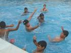 Pessoas com deficiência têm aulas gratuitas de natação em Uberlândia