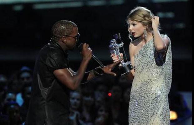 Meme do Miss Universo 2015 lembra climão entre Kanye West e Taylor Swift (Foto: Twitter/ Reprodução)