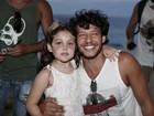 Nando Rodrigues vai a festa sem Yanna Lavigne
