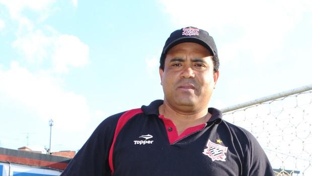 Carlão preparador goleiros Paulista Jundiaí (Foto: Wellington Silva / TV TEM)