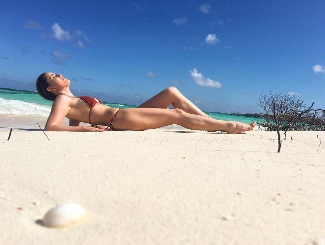 Fernanda Vasconcellos exibe corpão em viagem a Anguilla (Foto: Reprodução/Instagram)