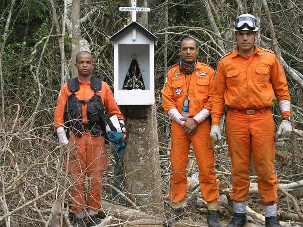 Militares do Distrito Federal durante missão de resgate das vítimas do voo 1907 da Gol, em 2006 (Foto: Arquivo pessoal)