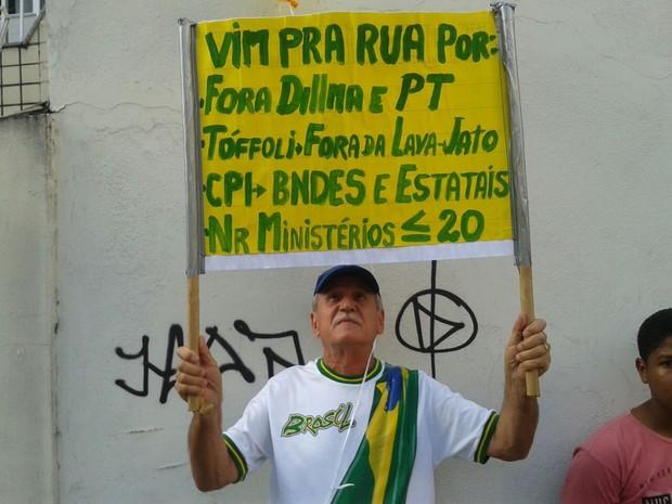 Manifestantes no Espírito Santo pedem mudanças políticas no país (Foto: Leandro Nossa/ CBN)