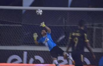 Martín Silva salva Vasco no finalzinho e supera outros paredões em enquete