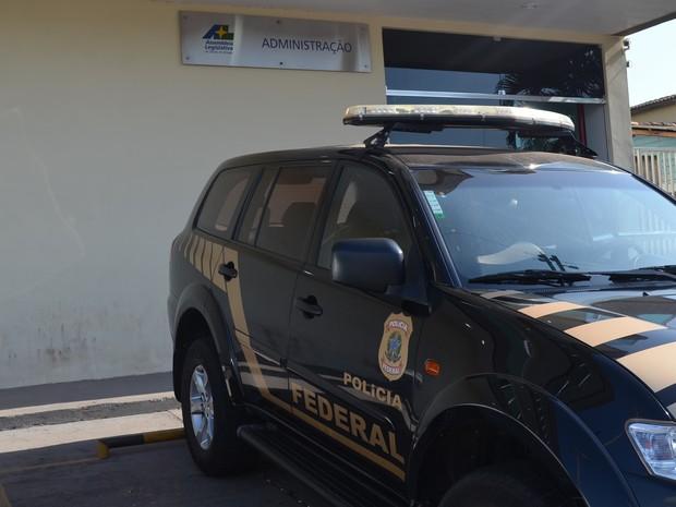 Polícia Federal cumpre mandados no anexo da Assembleia Legislativa do Amapá (Foto: Jorge Abreu/G1)