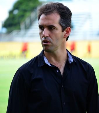 Léo Condé técnico Bragantino (Foto: Danilo Sardinha/GloboEsporte.com)