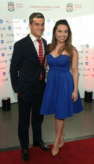 Philippe Coutinho esposa Aine Liverpool premiação (Foto: AFP)