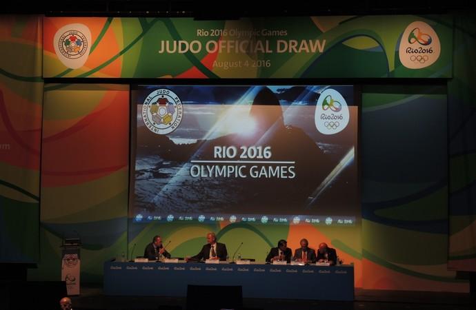 Sorteio chaves judô Rio 2016 (Foto: David Abramvezt)