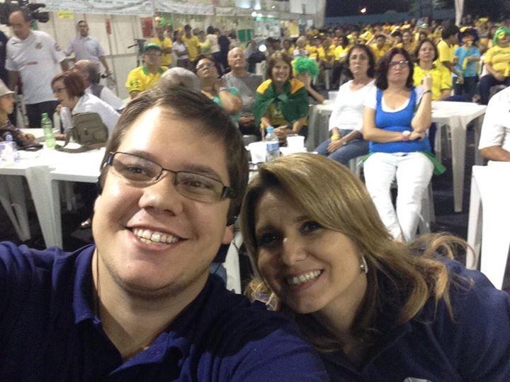 O produtor Luiz Linna e a apresentadora Vanessa Faro (Foto: Priscila Martinez)