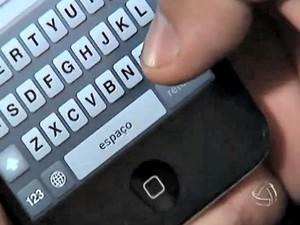 Smartphone uso pesquisa (Foto: Reprodução/TV Morena)