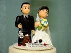 Bolo polêmico vira comentário em casamento de ex-rainha de bateria