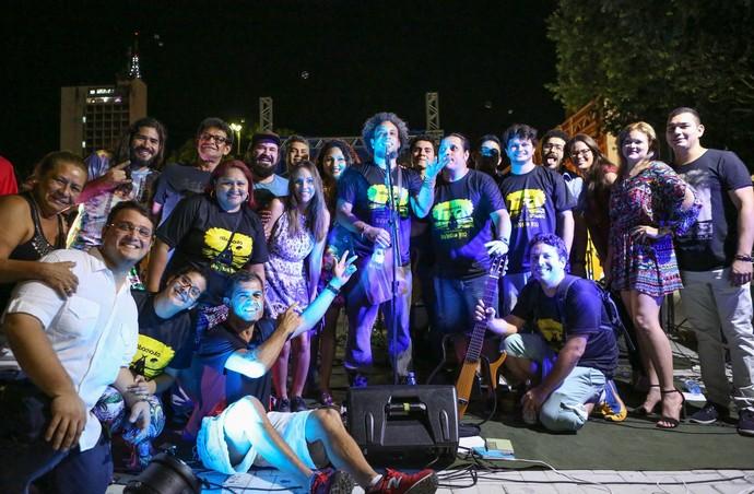 Equipe que participou da produção do videoclipe da Cabocrioulo (Foto: Michael Dantas)