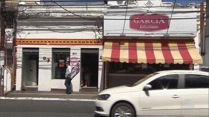 Polícia procura homem que tentou roubar panificadora, no bairro do Garcia