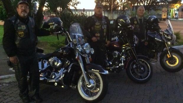 Motociclistas partiram de Porto Alegre nesta quarta-feira (1º) (Foto: Josmar Leite/RBS TV)