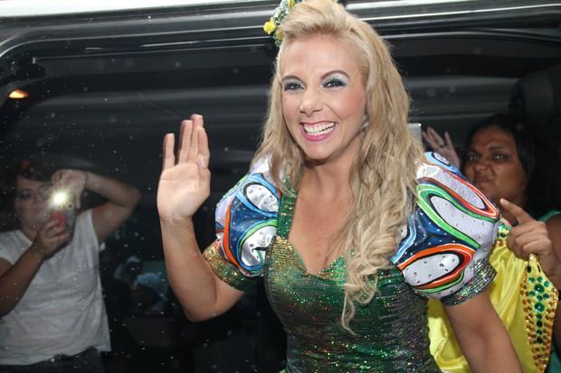 Carla Peres em Salvador (Foto:  JC Pereira/AgNews)
