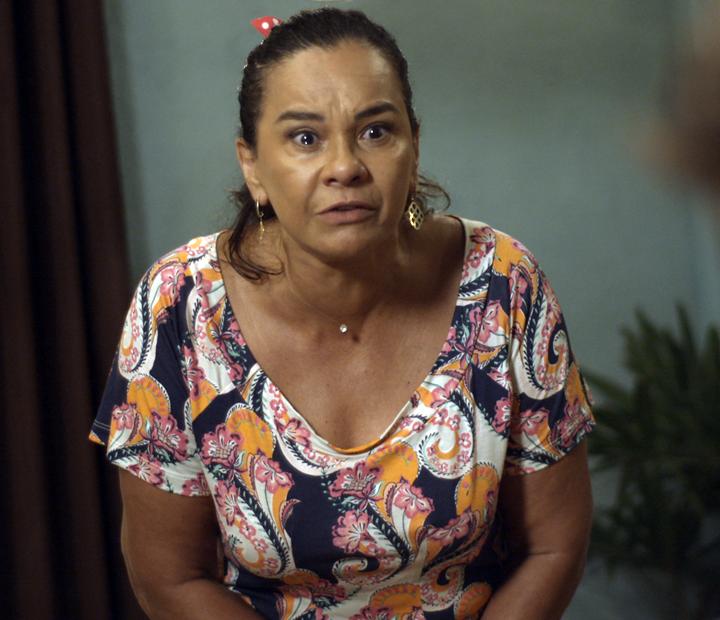 Vanda está muito decepcionada com Luan (Foto: TV Globo)