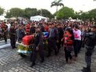 Com homenagens, corpo de PM baleado e morto em Natal é enterrado