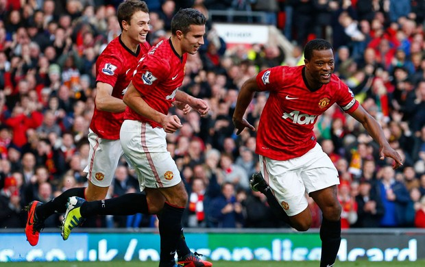evra manchester united x arsenal (Foto: Reuters)