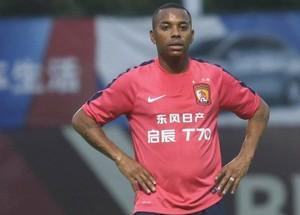 Robinho Guangzhou Evergrande (Foto: Reprodução / Sina.com)