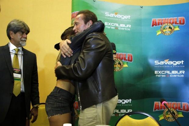 Renata Molinaro e Arnold Schwarzenegger (Foto: Graça Paes/Fotorio News)