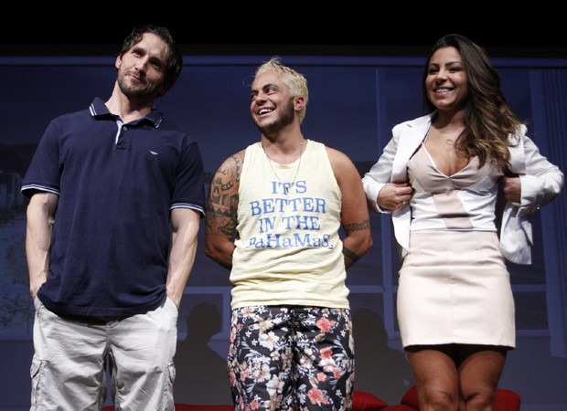 arlos Verahnnay, Thammy Miranda e Andressa Ferreira integram elenco de montagem teatral (Foto: Thyago Andrade/Brazil News)