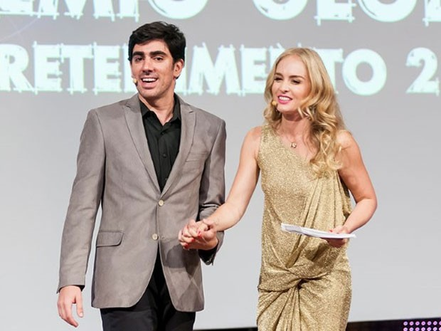 Marcelo Adnet e Angélica comandaram a premiação (Foto: Divulgação / TV Globo)