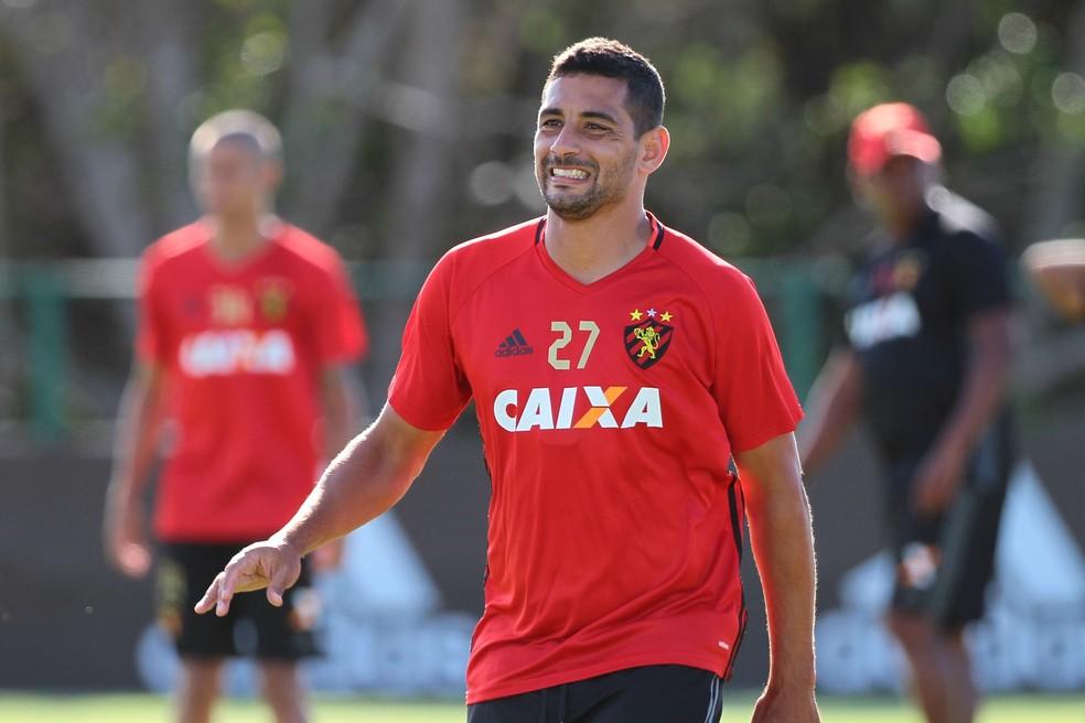 Diego Souza, principal jogador do Sport, está na mira do Palmeiras (Foto: Marlon Costa / Pernambuco Press)