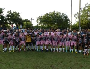 Atletas em jogo beneficente disputado em Cuiabá (Foto: Pedro Lima/Divulgação)