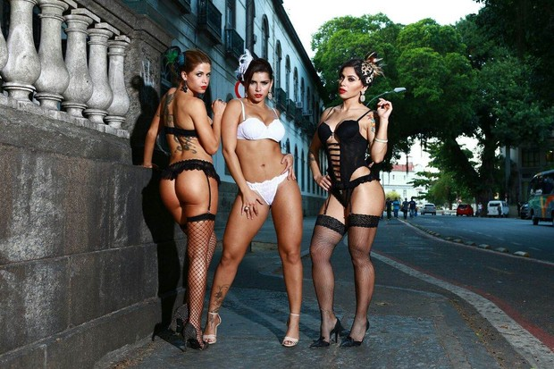 Cacau Colucci, Bianca Leão e Vanessa Mesquita posam para marca de lingerie (Foto: Divulgação)