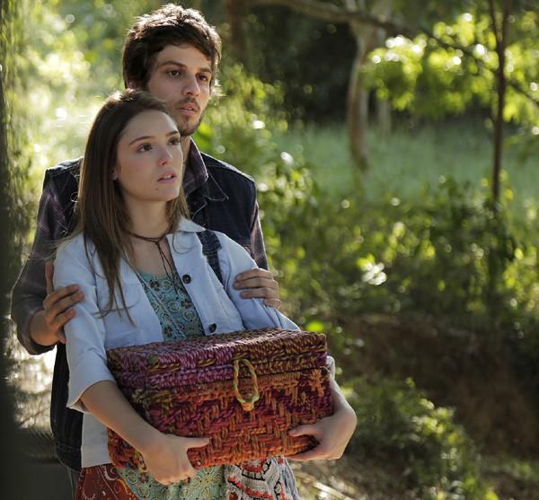 """Isabelle e Chay fazem par romântico em """"A Lei do Amor"""" (Foto: Divulgação/TVGlobo)"""