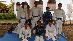 Associação trabalha para retirar crianças e jovens da situação de rua por meio de acesso à educação, cultura e ao esporte (Divulgação)
