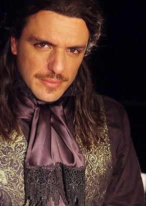 Rodrigo Lombardi como Dom Juan (Foto: Divulgação)