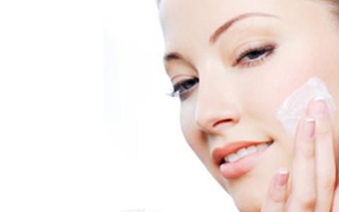 Maquiagem para pele seca: veja quais são os produtos mais indicados