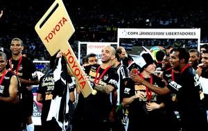 Diego Tardelli festa Atlético-MG Libertadores (Foto: Marcos Ribolli / Globoesporte.com)