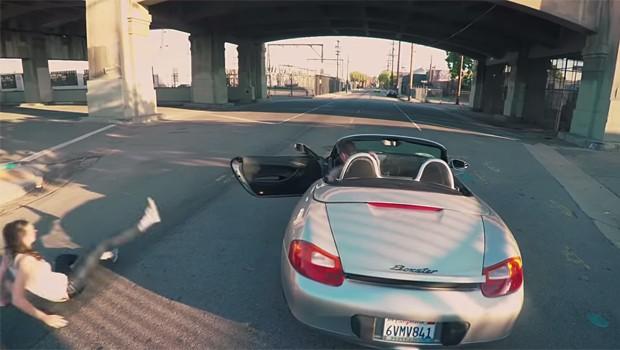 CANAL DO YOUTUBE RECRIA CENAS DO GTA 5 NA VIDA REAL Porsche-boxter-gta
