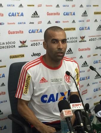 Emerson Sheik Flamengo coletiva (Foto: Ivan Raupp)