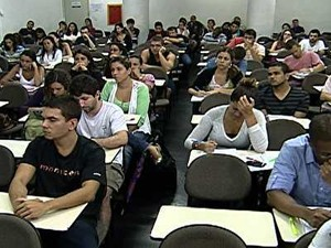 Doze milhões de brasileiros devem fazer algum concurso público em 2013 (Foto: Rede Globo)