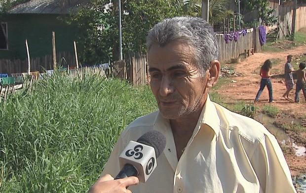 Moradores falam das mudanças que ainda precisam ser feitas no bairro (Foto: Acre TV)